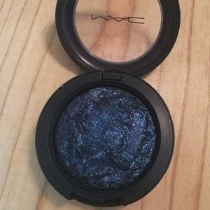 MAC Mineralize Eyeshadow BLUE FLAME
